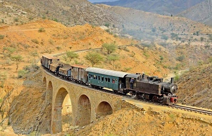 11The railroad In Eritrea, steam locomotives