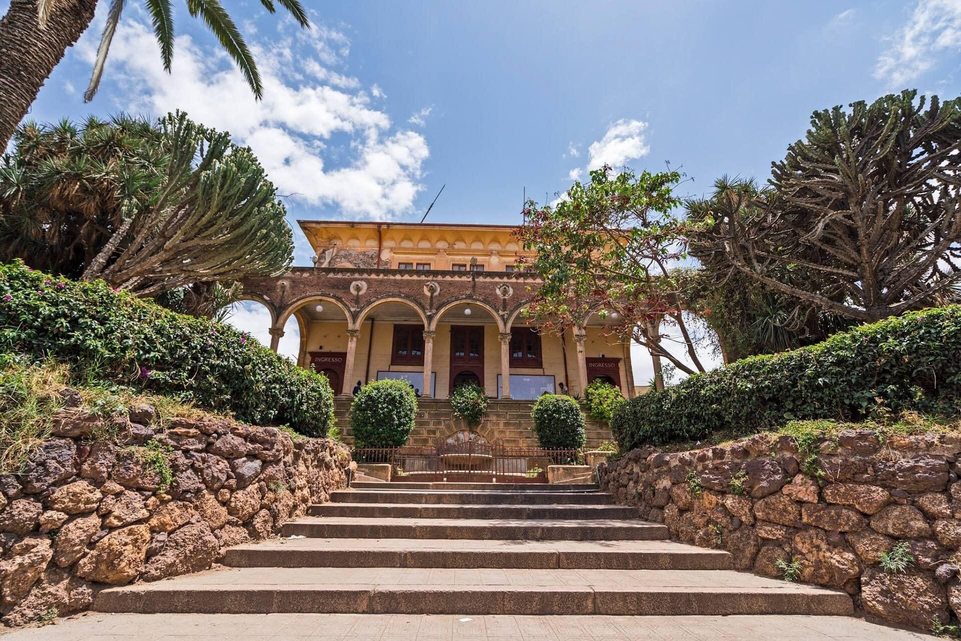 Asmara teater och operahus - attraktioner i Eritrea, Sevardheter i Eritrea