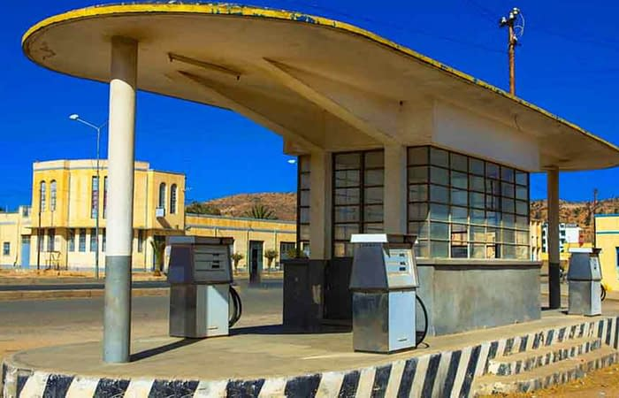 Old gas station keren