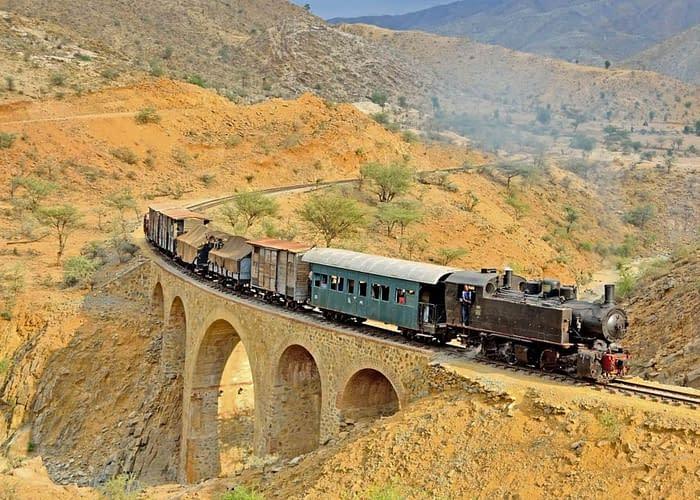 Eritrea Treni con locomotiva a vapore - La ferrovia eritrea, esplora Eritrea